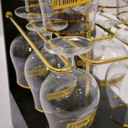 Negra Modelo Glass bar Rack